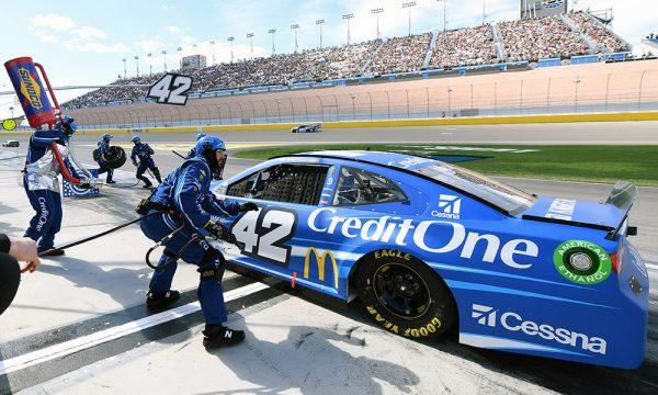 Kyle Larson Racing Again...