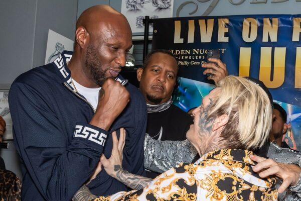Watch Lamar Odom Knockout Aaron Carter